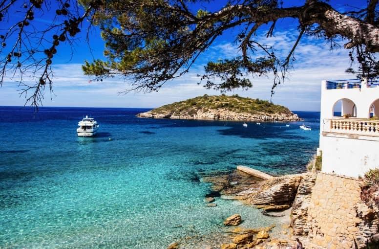 Страны для отдыха в июне на море